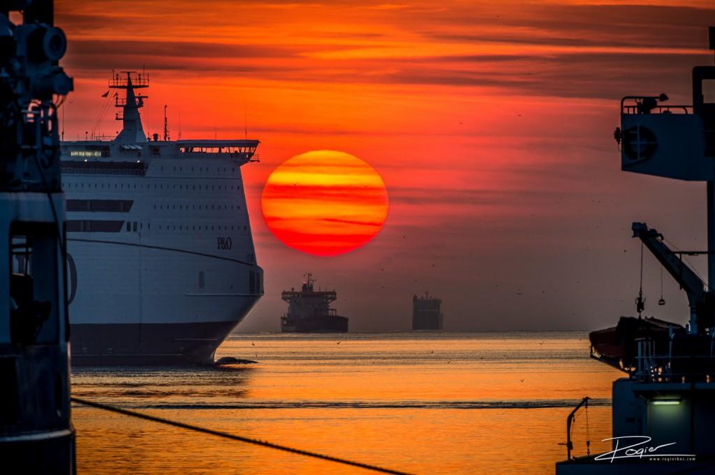 Haven Rotterdam onderdaande zon-12