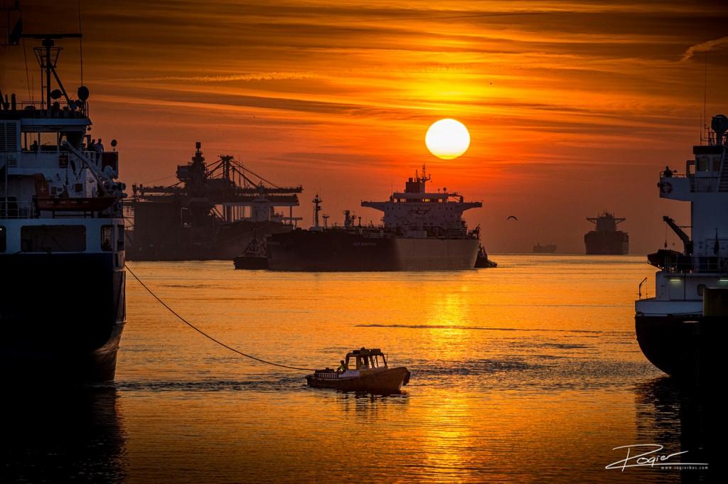 Haven Rotterdam onderdaande zon-7